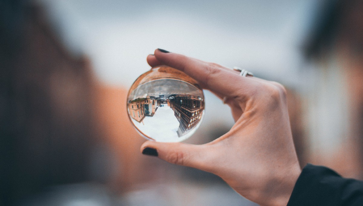 Shift Perspective—The Value of Divergent Thinking